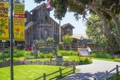 Hamnhus i San Diego Seaport Village - SAN DIEGO - KALIFORNIEN - APRIL 21, 2017 Royaltyfria Bilder