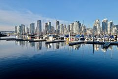 Hamnmarina i i stadens centrum Vancouver Arkivfoto