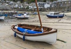 Hamnmouseholen seglar fartyget royaltyfri foto