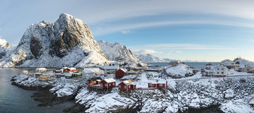 Hamnoy海岛全景冬时的,雷讷, Lofoten海岛 免版税库存图片