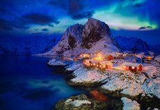 Hamnoy-Fischerdorf auf Lofoten-Inseln, Norwegen lizenzfreies stockbild