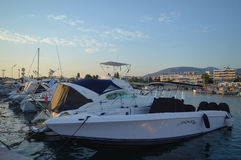 Hamnplats för fiskare` s i Glyfada, Aten, Grekland på Juni 14, 2017 Arkivbilder