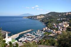 Hamnstad i Italien. royaltyfria bilder