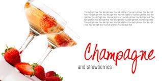 Hampagne met aardbeien op een witte achtergrond Stock Afbeelding