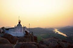 Hampi, Indien, Hanuman-Tempel bei Sonnenaufgang stockfotos