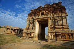 Hampi indisk tempel Arkivbilder