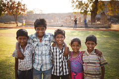 Hampi, Karnataka India, Feb, - 27, 2015: Niezidentyfikowany Indiański chil Zdjęcie Royalty Free