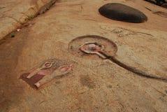 Hampi, Karnataka, India. Sculture Devotional della roccia Fotografia Stock Libera da Diritti