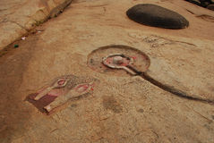 Hampi, Karnataka, la India. Tallas piadosas de la roca Foto de archivo libre de regalías