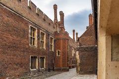 Hampton Court en día de verano Fotografía de archivo libre de regalías