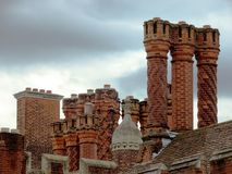 Hampton Court Palace Chimneys Fotografia Stock Libera da Diritti