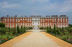 Hampton Court Palace en Inglaterra Foto de archivo libre de regalías