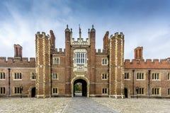 Hampton Court Palace Front Lizenzfreie Stockfotografie