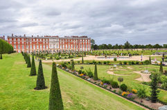 Hampton Court Palace i London Arkivbilder