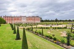 Hampton Court Palace in London Stockbilder