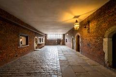 Hampton Court Palace met Tuinen stock afbeelding