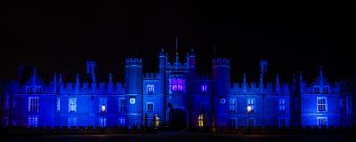 Hampton Court Palace na noite Fotografia de Stock Royalty Free