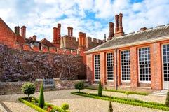 Hampton Court Palace in Richmond, Londen, het UK royalty-vrije stock foto