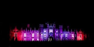 Hampton Court Palace vid natt Arkivfoton