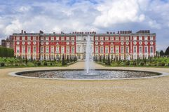 Hampton Court-tuin in de lente, Londen, het UK stock fotografie