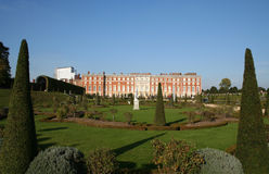 Hampton Court und Gärten. Stockfotografie