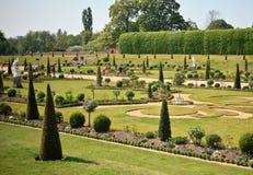 Hampton domstolslott och trädgårdar, UK Royaltyfria Bilder