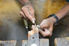 Han är kompetent i skulptur Fotografering för Bildbyråer