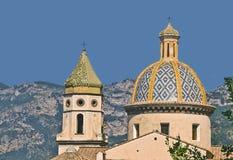 Han kyrktar San Gennaro, Praiano, den Amalfi kusten, Campania, Italien arkivfoton