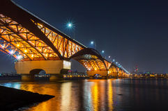 Han River och Seongsan bro på natten Royaltyfria Bilder