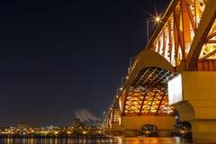 Han rzeka z Seongsan mostem przy nocą Fotografia Stock
