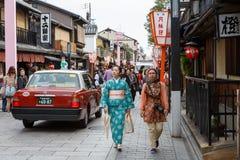 Hanami-Koji gata i Kyoto, Japan Royaltyfri Fotografi