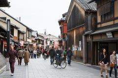 Hanami-Koji gata i Kyoto, Japan Royaltyfria Foton