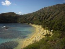 Hanauma fjärdsikt från överkant i Oahu, Hawaii Arkivbilder