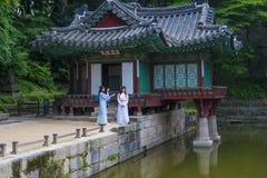 Hanbok koreanska traditionella kläder Royaltyfria Foton