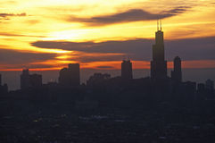 Здание Джона Hancock возвышается над горизонтом на восходе солнца, Чикаго Чикаго, Иллинойсом Стоковое Изображение
