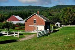 Hancock, MA: Geflügel bringen bei Shaker Village unter Stockfotos