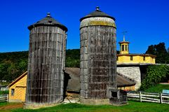 Hancock, mA : Silos chez Shaker Village photo libre de droits