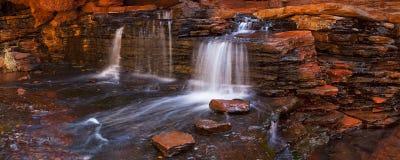 Hancock-Schlucht, Karijini NP, West-Australien lizenzfreie stockfotos