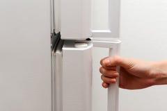 Handöffnungskühlschrank Stockbilder