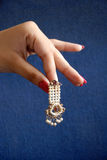 Hand & het earing. Royalty-vrije Stock Foto's