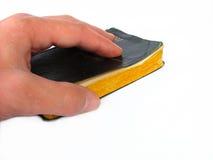 Hand auf Bibel lizenzfreie stockbilder