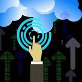 Hand auf gigital Symbolen auf dem Himmelhintergrund stock abbildung