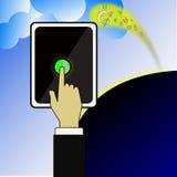 Hand auf gigital Symbolen auf dem Himmelhintergrund Stockbilder