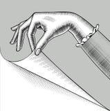 Hand av kvinnan med ett krullat hörn av den pappers- sidan vektor illustrationer