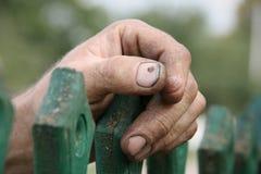 Hand av pensionären Royaltyfria Bilder