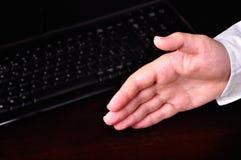Hand betriebsbereit zum Händedruck Stockfotos