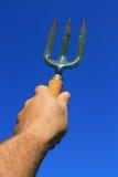 Hand - de gehouden Vork van de Tuin stock afbeeldingen