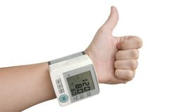 Hand der gesunden Person mit tonometer Stockbild