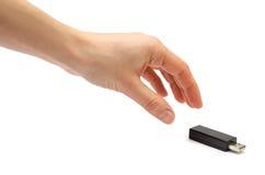 Hand des jungen Mädchens usb-Blitz-Antrieb halten Stockfotos