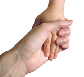 Hand des Kindes in der Hand des Mutter auf Weiß Lizenzfreie Stockbilder